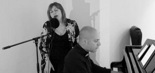 música variada con duo cristian leggiero y paty lesta